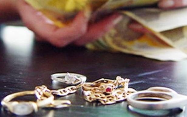 escroci bijuterii aur