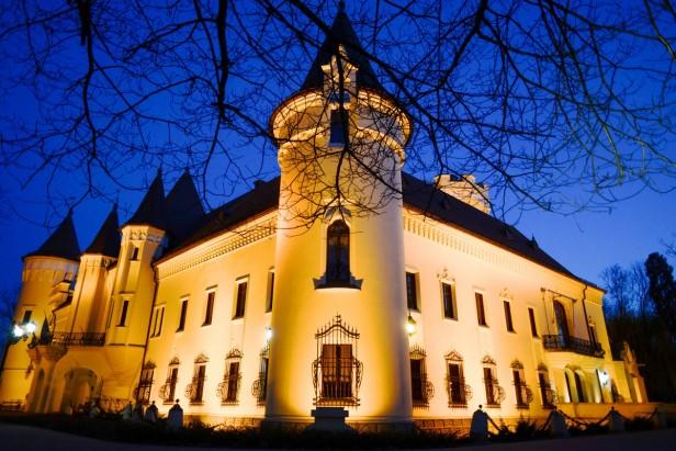 Castel noaptea deschis